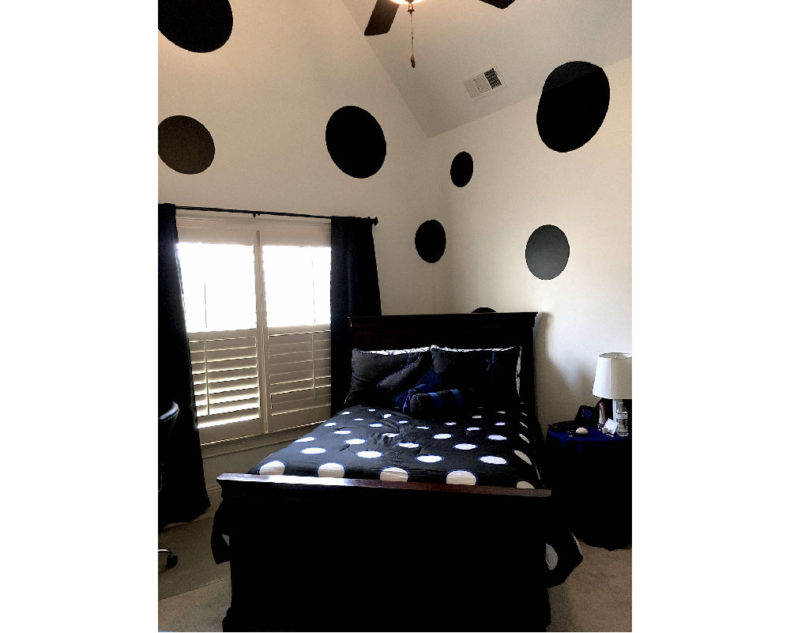 Giant polka dots wall stickers